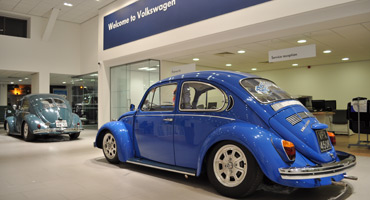 VOLKSWAGEN DEALERSHIP DISPLAYS